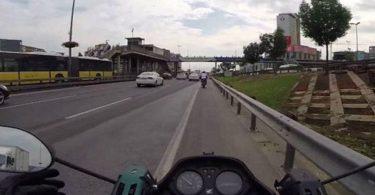 Motorculara emniyet şeridi serbest mi