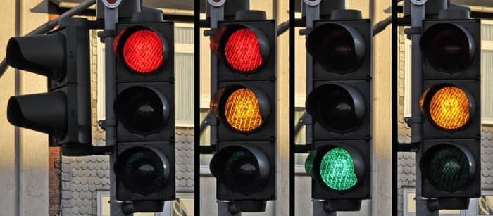 Trafik ışıklarının anlamları nedir?